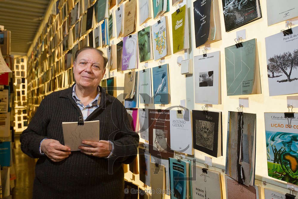 Entrevista com Jorge Figueira de Sousa, actual proprietário da Livraria Esperança, a 2ª maior livraria do mundo com 1200 m2 e 96000  títulos, situada na  cidade do Funchal, Ilha da Madeira..Interview with Jorge Figueira de Sousa, current owner of the Bookstore Esperanca , the 2nd largest bookstore in the world with 1200 m2 and 96,000 titles, located in Funchal, Madeira Island..Foto Gregorio Cunha