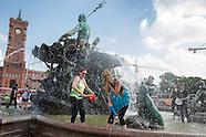 Water fight, Berlin 24.07.16