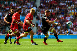 Dave Ewers of Exeter Chiefs is challenged by Vincent Koch of Saracens - Mandatory by-line: Ryan Hiscott/JMP - 01/06/2019 - RUGBY - Twickenham Stadium - London, England - Exeter Chiefs v Saracens - Gallagher Premiership Rugby Final
