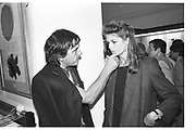 David Bailey; Jean Shrimpton, Bailey private view. V & A. 27 September 1983. SUPPLIED FOR ONE-TIME USE ONLY> DO NOT ARCHIVE. © Copyright Photograph by Dafydd Jones 248 Clapham Rd.  London SW90PZ Tel 020 7820 0771 www.dafjones.com