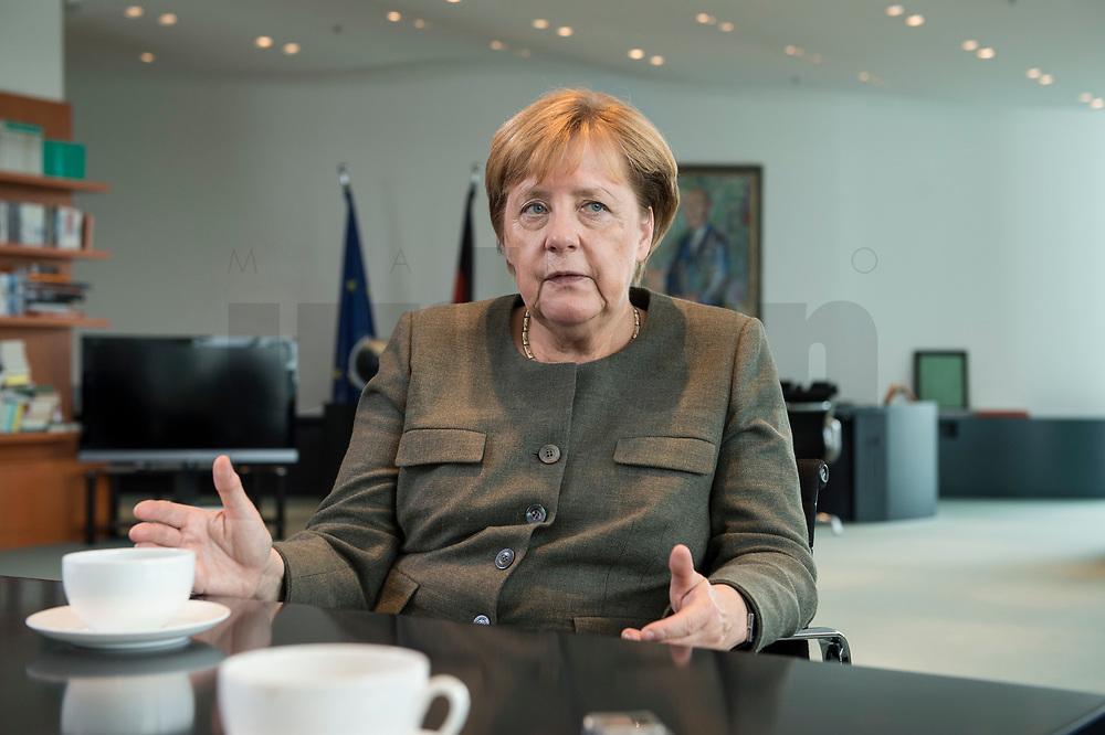 13 SEP 2017, BERLIN/GERMANY:<br /> Angela Merkel, CDU, Bundeskanzlerin, waehrend einem Interview, in Ihrem Buero, Bundeskanzlerin<br /> IMAGE: 20170917-01-011<br /> KEYWORDS: Büro