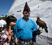 Every Year in June, almost a million people celebrates Japan Day in Düsseldorf, together with the city's Japanese expatriat community which is the biggest in Germany. Samurai Goup Takeda. A falconer.