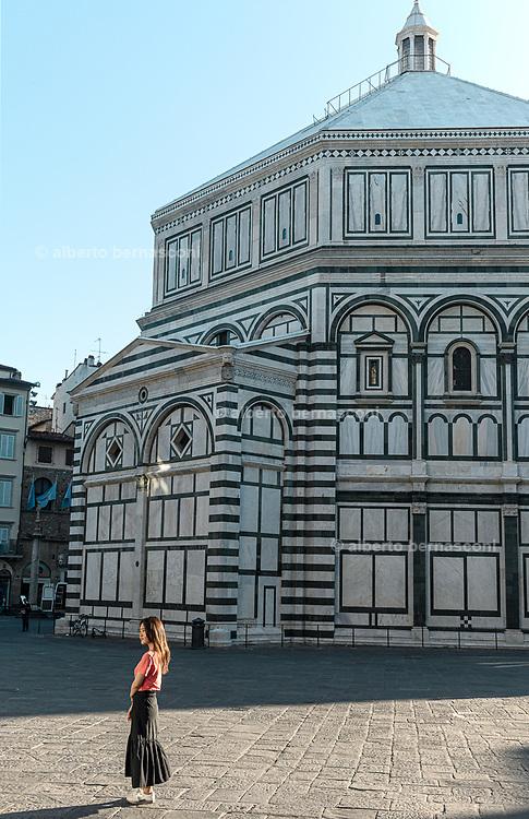 FLORENCE: Piazza del Duomo, Battistero di San Giovanni
