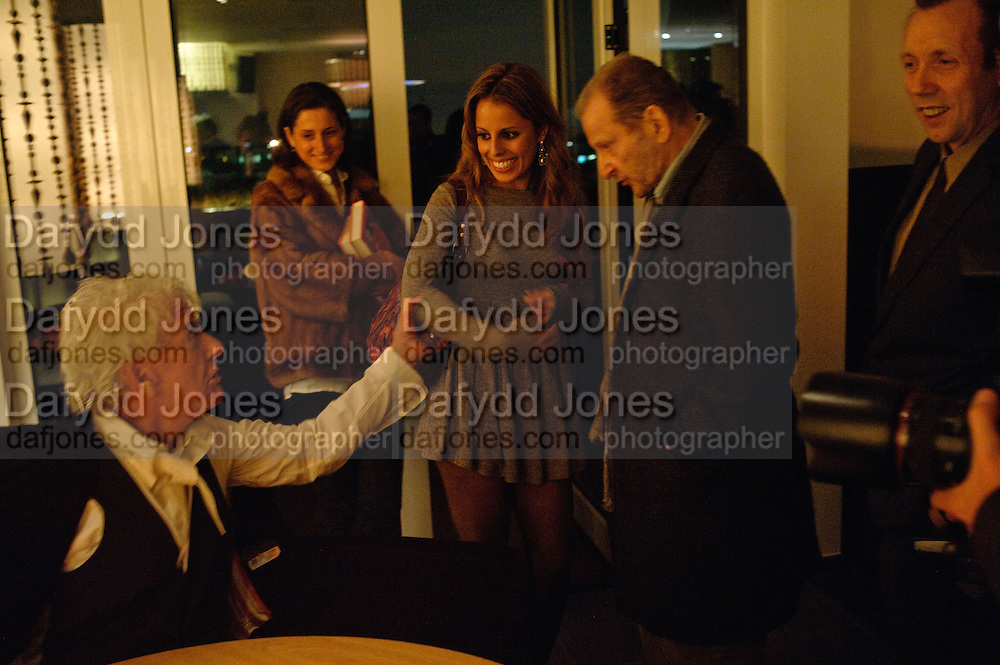 NICKY HASLAM;  VICTORIA-ANNE BULL; LUCIAN FREUD; DAVID DAWSON, Launch of Nicky Haslam's book Redeeming Features. Aqua Nueva. 5th floor. 240 Regent St. London W1.  5 November 2009.  *** Local Caption *** -DO NOT ARCHIVE-© Copyright Photograph by Dafydd Jones. 248 Clapham Rd. London SW9 0PZ. Tel 0207 820 0771. www.dafjones.com.<br /> NICKY HASLAM;  VICTORIA-ANNE BULL; LUCIAN FREUD; DAVID DAWSON, Launch of Nicky Haslam's book Redeeming Features. Aqua Nueva. 5th floor. 240 Regent St. London W1.  5 November 2009.