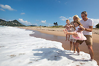 portrait photography for mccomb family photos in tairua on the coromandel peninsula beach family photos by felicity jean photography