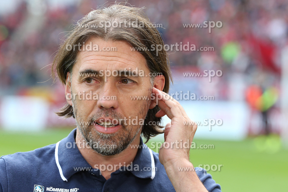 26.09.2015, Coface Arena, Mainz, GER, 1. FBL, 1. FSV Mainz 05 vs FC Bayern Muenchen, 7. Runde, im Bild v.l.: Mainz-Trainer Martin Schmidt // during the German Bundesliga 7th round match between 1. FSV Mainz 05 and FC Bayern Munich at the Coface Arena in Mainz, Germany on 2015/09/26. EXPA Pictures &copy; 2015, PhotoCredit: EXPA/ Eibner-Pressefoto/ Neurohr<br /> <br /> *****ATTENTION - OUT of GER*****