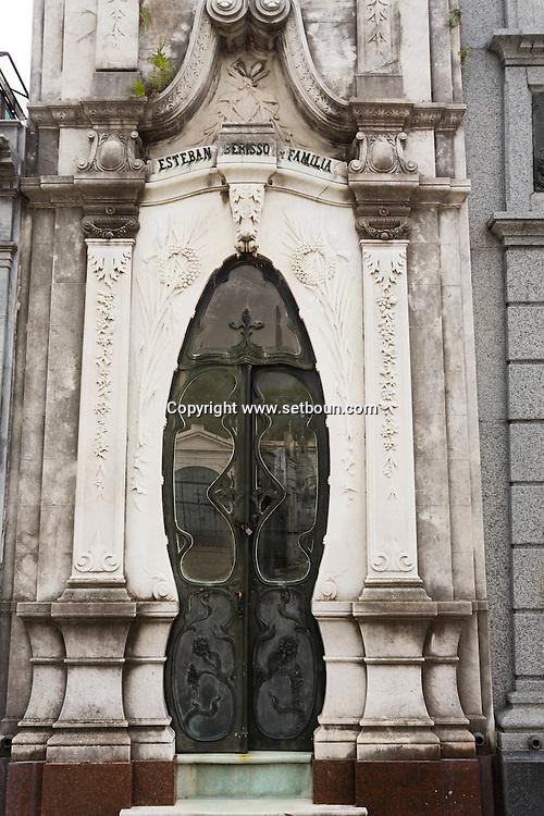Argentina. Buenos Aires. cemetery of Recoleta      /  cimetiere de la recoleta  Buenos Aires - Argentine  R027