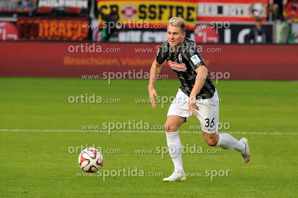 28.02.2015, BayArena, Leverkusen, GER, 1. FBL, Bayer 04 Leverkusen vs SC Freiburg, 23. Runde, im Bild Felix Klaus ( SC Freiburg ) // during the German Bundesliga 23rd round match between Bayer 04 Leverkusen and SC Freiburg at the BayArena in Leverkusen, Germany on 2015/02/28. EXPA Pictures &copy; 2015, PhotoCredit: EXPA/ Eibner-Pressefoto/ Thienel<br /> <br /> *****ATTENTION - OUT of GER*****