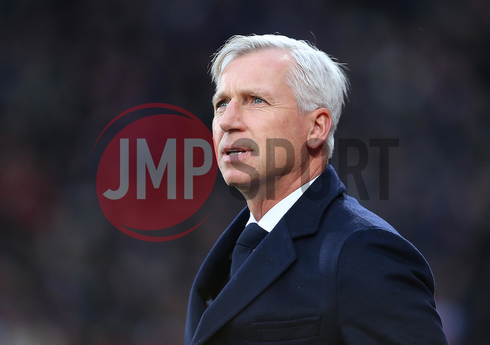 Crystal Palace Manager Alan Pardew - Mandatory byline: Paul Terry/JMP - 12/12/2015 - Football - Selhurst Park - London, England - Crystal Palace v Southampton - Barclays Premier League