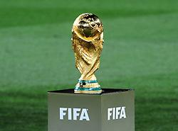 11-07-2010 VOETBAL: FIFA WK FINALE NEDERLAND - SPANJE: JOHANNESBURG<br /> FIFA Welmeisterschafts Pokal, der 1971 vom Italiener Silvio Gazzaniga entworfene und 1973 von der bekannten Gold- und Silberschmiede Werkstatt Bertoni aus Mailand hergestellte Pokal, vor dem Finalspiel<br /> EXPA Pictures © 2010 EXPA/ InsideFoto/ Perottino - ©2010-WWW.FOTOHOOGENDOORN.NL<br /> *** ATTENTION *** FOR NETHERLANDS USE ONLY!