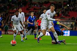 Ross Barkley of England in action - Mandatory byline: Jason Brown/JMP - 07966 386802 - 09/10/2015- FOOTBALL - Wembley Stadium - London, England - England v Estonia - Euro 2016 Qualifying - Group E