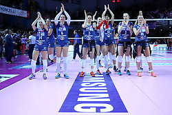 13-04-2016 ITA: Foppapedretti Bergamo - Pomi Casalmaggiore, Bergamo<br /> Team Bergamo<br /> <br /> ***NETHERLANDS ONLY***