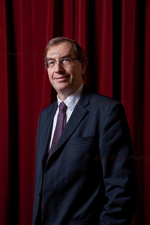 Dr. William Duncan