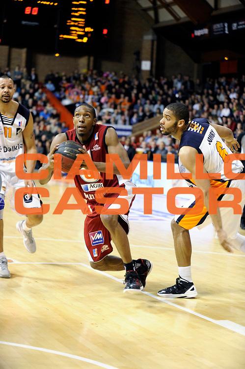 DESCRIZIONE : Championnat de France Pro A  a Gravelines Match de carnaval<br /> GIOCATORE : Nelson DeMarcus<br /> SQUADRA : Cholet<br /> EVENTO : Pro A <br /> GARA : Gravelines Cholet<br /> DATA : 25/02/2012<br /> CATEGORIA : Basketball France Homme<br /> SPORT : Basketball<br /> AUTORE : JF Molliere<br /> Galleria : France Basket 2011-2012 Action<br /> Fotonotizia : Championnat de France Basket Pro A Match de Carnaval<br /> Predefinita :