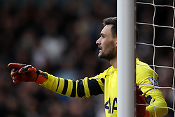 Hugo Lloris of Tottenham Hotspur organises the defensive wall for a free kick - Mandatory byline: Robbie Stephenson/JMP - 28/02/2016 - FOOTBALL - White Hart Lane - Tottenham, England - Tottenham Hotspur v Swansea City - Barclays Premier League