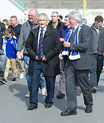 LONDON, ENGLAND - Saturday, April 14, 2012: Liverpool, Everton and Tranmere Rovers legend Dave Hickson walks up Wembley Way to watch the 218th Merseyside Derby, the FA Cup Semi-Final, at Wembley. (Pic by David Rawcliffe/Propaganda)