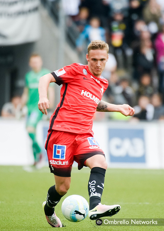 ÖREBRO, SWEDEN - MAY 22: Linus Wahlqvist of IFK Norrköping shoots during the allsvenskan match between Örebro SK and IFK Norrköping at Behrn Arena on May 22, 2016 in Örebro, Sweden. Foto: Pavel Koubek/Ombrello