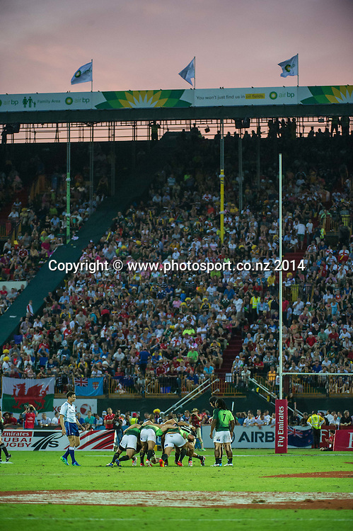 New Zealand and South African play to a full house in the Cup Semi Final of the IRB Sevens World Series rugby tournament at the Emirates Airline Dubai Rugby Sevens in Dubai, UAE, on Saturday, Dec. 6th, 2014. Photo by: Stephen Hindley/Sportdxb/Photosport