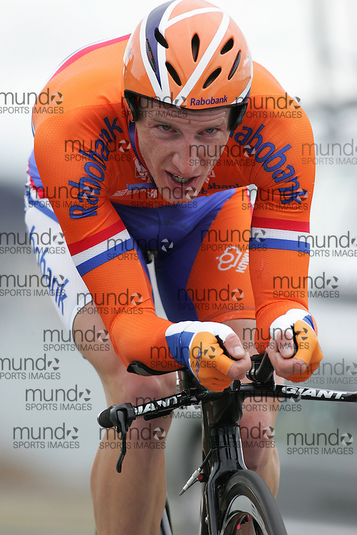 (Geelong, Australia---30 September 2010) Jos VAN EMDEN of the Netherlands (NED) racing to 36th plac in the Elite Men's Time Trial race at the 2010 UCI Road World Championships [2010 Copyright Sean Burges / Mundo Sport Images -- www.mundosportimages.com]