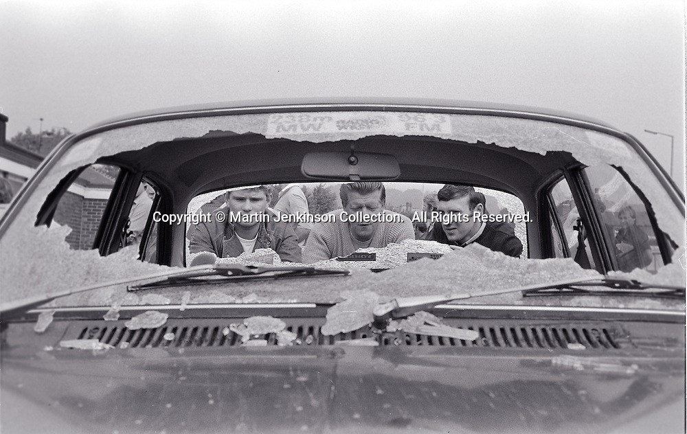 Pickets windscreen smashed by police at Cuckney crossroads on A61. August 1984.