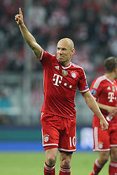 09.04.2014, Allianz Arena, Muenchen, GER, UEFA CL, FC Bayern Muenchen vs Manchester United, Viertelfinale, Rueckspiel, im Bild Arjen Robben #10 (FC Bayern Muenchen) // during the UEFA Champions League Round of 8, 2nd Leg match between FC Bayern Muenchen and Manchester United at the Allianz Arena in Muenchen, Germany on 2014/04/09. EXPA Pictures © 2014, PhotoCredit: EXPA/ Eibner-Pressefoto/ Kolbert<br /> <br /> *****ATTENTION - OUT of GER*****