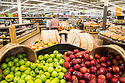 ROGERS, AR - OCTOBER 12:  Display of fresh apples at Walmart Store #4208 on October 12, 2015 in Rogers, Arkansas.  <br /> CREDIT Wesley Hitt for Wall Street Journal<br /> WALSQUEEZE