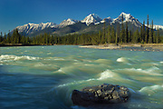 Kootenay River and Rocky Mountains<br /> Kootenay National Park<br /> British Columbia<br /> Canada