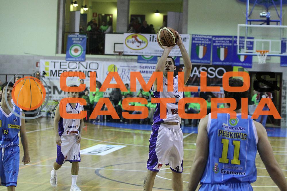 DESCRIZIONE : San Martino di Lupari Padova 4 Torneo Internazionale Lega A 2010-11 <br /> GIOCATORE : Tadej Horvat<br /> SQUADRA : Vanoli Braga Cremona KK Maribor Messer<br /> EVENTO :  Torneo Triangolare<br /> GARA : Vanoli Braga Cremona KK Maribor Messer<br /> DATA : 12/02/2011<br /> CATEGORIA :  Tiro<br /> SPORT : Pallacanestro <br /> AUTORE : Agenzia Ciamillo-Castoria/G.Contessa<br /> Galleria : Lega Basket A 2010-2011 <br /> Fotonotizia : San Martino di Lupari Padova 4 Torneo Internazionale Lega A 2010-11 <br /> Predefinita :