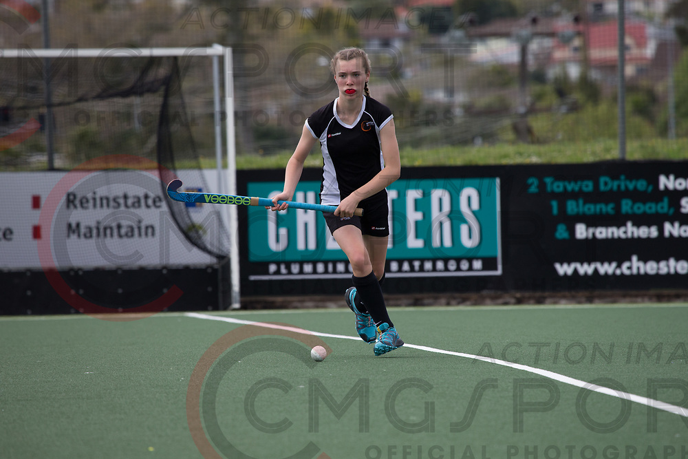 HAWKES BAY V TAURANGA<br /> U15 PREMIER GIRLS HOCKEY<br /> NORTH HARBOUR STADIUM<br /> Alana Warrington CMGSPORT<br /> &copy;cmgsport2017