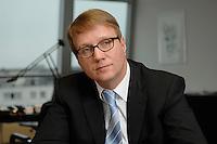 09 JAN 2007, BERLIN/GERMANY:<br /> Ronald Pofalla, CDU Generalsekretaer, waehrend einem Interview, in seinem Buero, CDU Bundesgeschaeftsstelle<br /> IMAGE: 20070109-01-037