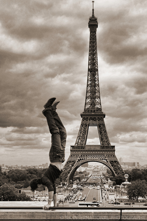 Balancing Act @ Le Trocadero with Tour Eiffel, Paris