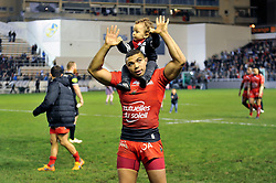 Bryan Habana of Toulon celebrates with his son after the match - Mandatory byline: Patrick Khachfe/JMP - 07966 386802 - 10/01/2016 - RUGBY UNION - Stade Mayol - Toulon, France - RC Toulon v Bath Rugby - European Rugby Champions Cup.