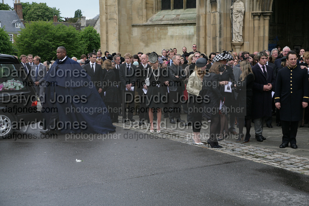 Andre Leon Talley, Funeral for Isabella Blow. Gloucester Cathedral. 15 May 2007.  -DO NOT ARCHIVE-© Copyright Photograph by Dafydd Jones. 248 Clapham Rd. London SW9 0PZ. Tel 0207 820 0771. www.dafjones.com.