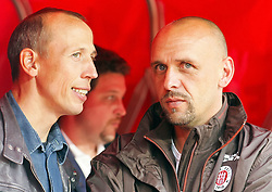 12.09.2010,  Rhein Energie Stadion, Koeln, GER, 1.FBL, FC Koeln vs FC St. Pauli, 3. Spieltag, im Bild: Holger Stanislawski (Trainer St. Pauli) im Gespraech mit Matthias Scherz (ehemaliger Spieler Koeln)  EXPA Pictures © 2010, PhotoCredit: EXPA/ nph/  Mueller+++++ ATTENTION - OUT OF GER +++++ / SPORTIDA PHOTO AGENCY
