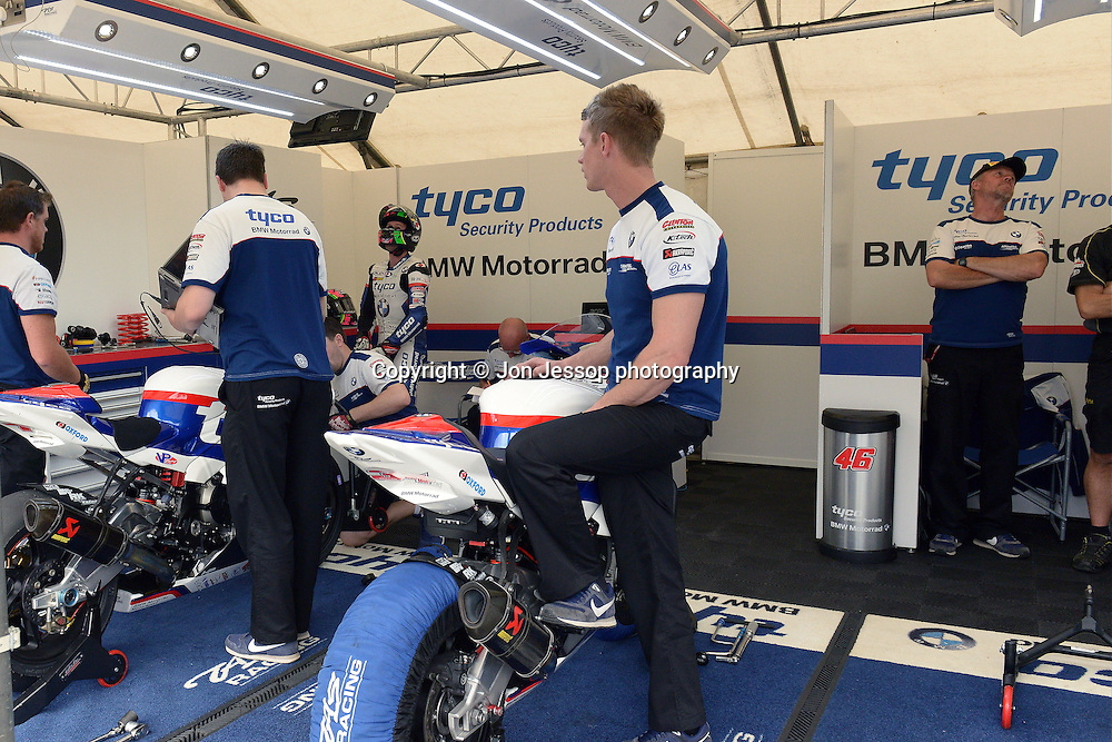 #7 Michael Laverty Tyco BMW Motorrad MCE British Superbikes