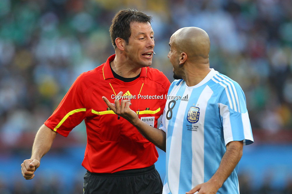 (L-R) Wolfgang Stark Referee, Juan Sebastian Veron (ARG), <br /> JUNE 12, 2010 - Football : <br /> 2010 FIFA World Cup South Africa <br /> Group Match -Group B- <br /> between Argentina 1-0 Nigeria <br /> at Ellis Park Stadium, Johannesburg, South Africa. <br /> (Photo by YUTAKA/AFLO SPORT) [1040]