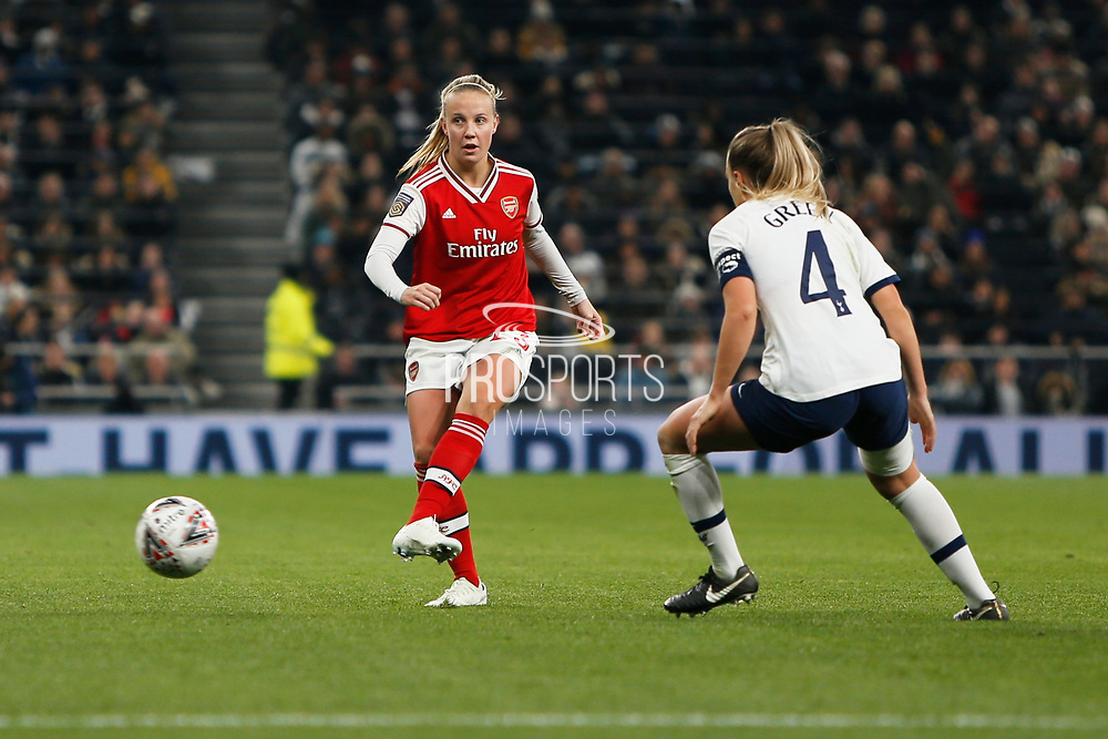 Beth Mead plays a pass during the FA Women's Super League match between Tottenham Hotspur Women and Arsenal Women FC at Tottenham Hotspur Stadium, London, United Kingdom on 17 November 2019.