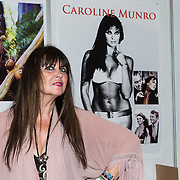 NLD/Utrecht/201400411 - Voormalig James Bond actrice Caroline Munro tijdens een signeersessie in Utrecht,