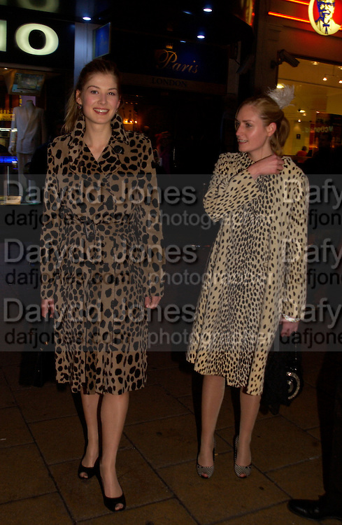 Rosamund Pike and Zoe Crowley, Cheap Date magazine party to celebrate their 10th issue. Sponsored by Jigsaw. Cafe de Paris. 16 February 2004. ONE TIME USE ONLY - DO NOT ARCHIVE  © Copyright Photograph by Dafydd Jones 66 Stockwell Park Rd. London SW9 0DA Tel 020 7733 0108 www.dafjones.com
