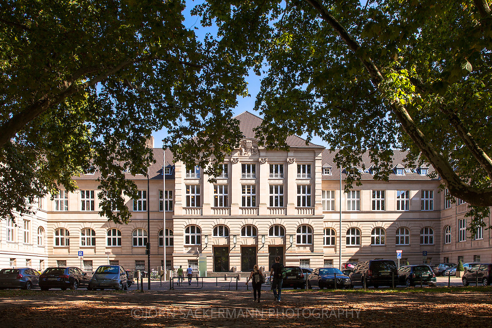 Europa, Deutschland, Koeln, Fachhochschule Koeln Geisteswissenschaftliches Zentrum Campus Suedstadt Claudiusstrasse 1. - <br /> <br /> Europe, Germany, Cologne, the Cologne University of Applied Sciences, Humanities, Campus Suedstadt, Claudius street 1.