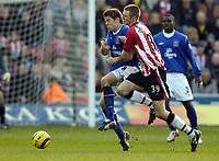 Fotball<br /> Premier League 2004/05<br /> Southampton v Everton<br /> 6. februar 2005<br /> Foto: Digitalsport<br /> NORWAY ONLY<br /> James Beattie is challenged by Calum Davenport