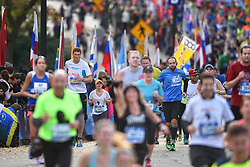 01-11-2015 USA: NYC Marathon We Run 2 Change Diabetes day 4, New York<br /> De dag van de marathon, 42 km en 195 meter door de straten van Staten Island, Brooklyn, Queens, The Bronx en Manhattan / Bas