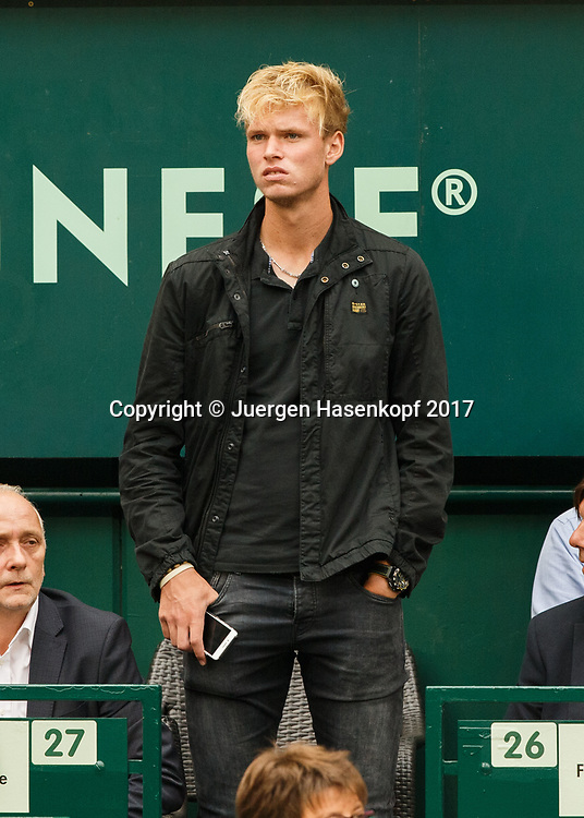 LOUIS WESSELS (GER) als Zuschauer beim Herren Finale,<br /> <br /> Tennis - Gerry Weber Open - ATP 500 -  Gerry Weber Stadion - Halle / Westf. - Nordrhein Westfalen - Germany  - 25 June 2017. <br /> &copy; Juergen Hasenkopf