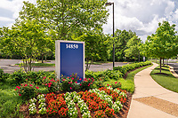 Architectural image of Ridgeview Office Building in Chantilly Virginia by Jeffrey Sauers of Commercial Photographics, Architectural Photo and Video Artistry