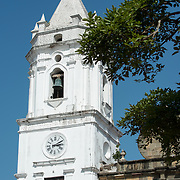 Standing on the western side of Plaza de la Independencia (or Plaza Mayor), the Catedral Metropolitana was built between 1688 and 1796. It is one of the largest of Central America's cathedrals and was badly neglected before undergoing major restoration in 2003.