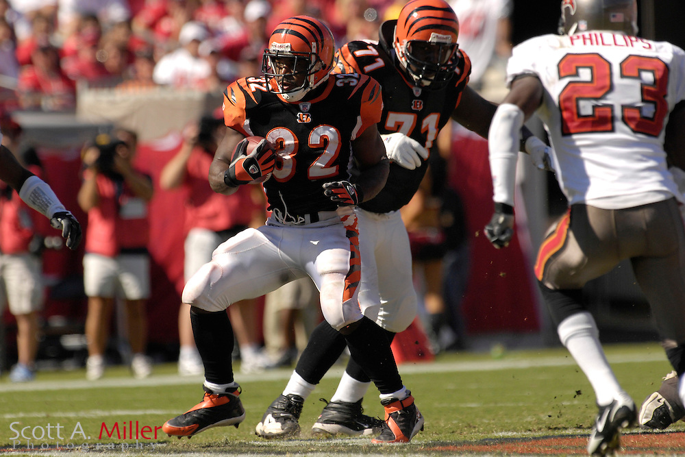 Oct. 15, 2006; Tampa, FL, USA; Cincinnati Bengals running back (32) Rudi Johnson heads up field during the second half of the Bengals 14-13 loss to the Tampa Bay Buccaneers at Raymond James Stadium. ...©2006 Scott A. Miller