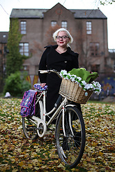New Era Cycling - Sophie Kromholz and her vintage bike in Garnethill
