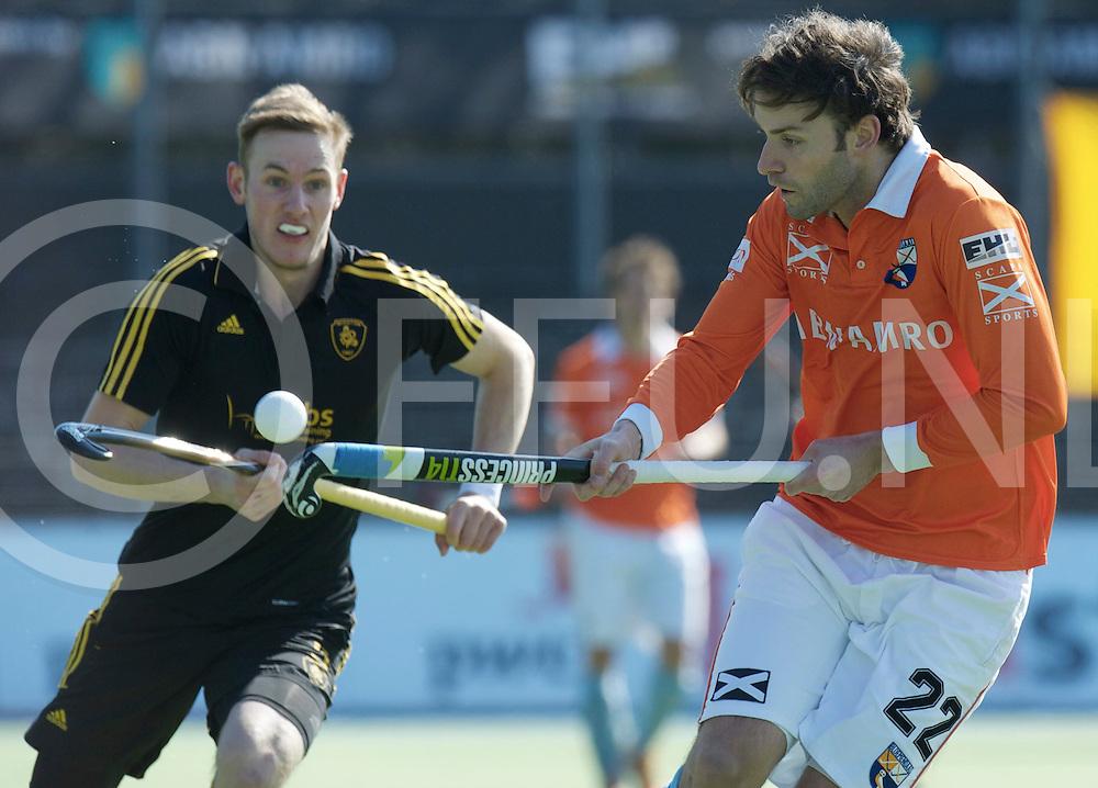 Amstelveen - Euro Hockey league KO16.Beeston HC - HC Bloemendaal.foto: Rogier Hofman (orange) and Oliver Willars (black)..FFU PRESS AGENCY COPYRIGHT FRANK UIJLENBROEK.