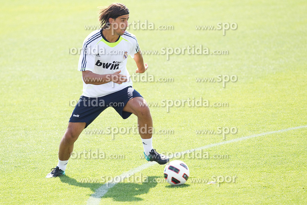 10.08.2010, Valdebebas, Madrid, ESP, Primera Division, Real Madrid Training, im Bild Sami Khedira. EXPA Pictures © 2010, PhotoCredit: EXPA/ Alterphotos/ Cesar Cebolla +++++ ATTENTION - OUT OF SPAIN +++++. / SPORTIDA PHOTO AGENCY