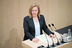 "29.01.2019, Hofburg, Wien, AUT, Parlament, Nationalratssitzung, Sondersitzung des Nationalrates mit einem Dringlichen Antrag der SPÖ zum Thema ""Mangel an Ärztinnen und Ärzten in Österreich"", im Bild Nationalratsabgeordnete SPÖ Verena Nussbaum // Member of the National Council (SPOe) Verena Nussbaum during meeting of the National Council of austria due to the topic ""Lack of Medical Doctors in Austria"" at Hofburg palace in Vienna, Austria on 2019/01/29, EXPA Pictures © 2019, PhotoCredit: EXPA/ Michael Gruber"
